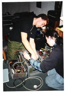 426px-OldG3KMI_BlackBox_Maintenance