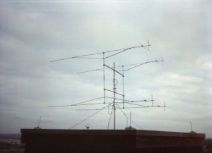 800px-OldG3KMI_VHFcontest_antenna_array