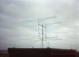 800px-OldG3KMI_VHFcontest_antenna_array
